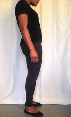 photo-corps-posture-cuillere-pieds-nus