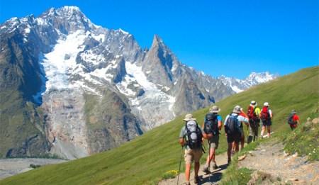 paysage-montagne-randonneurs